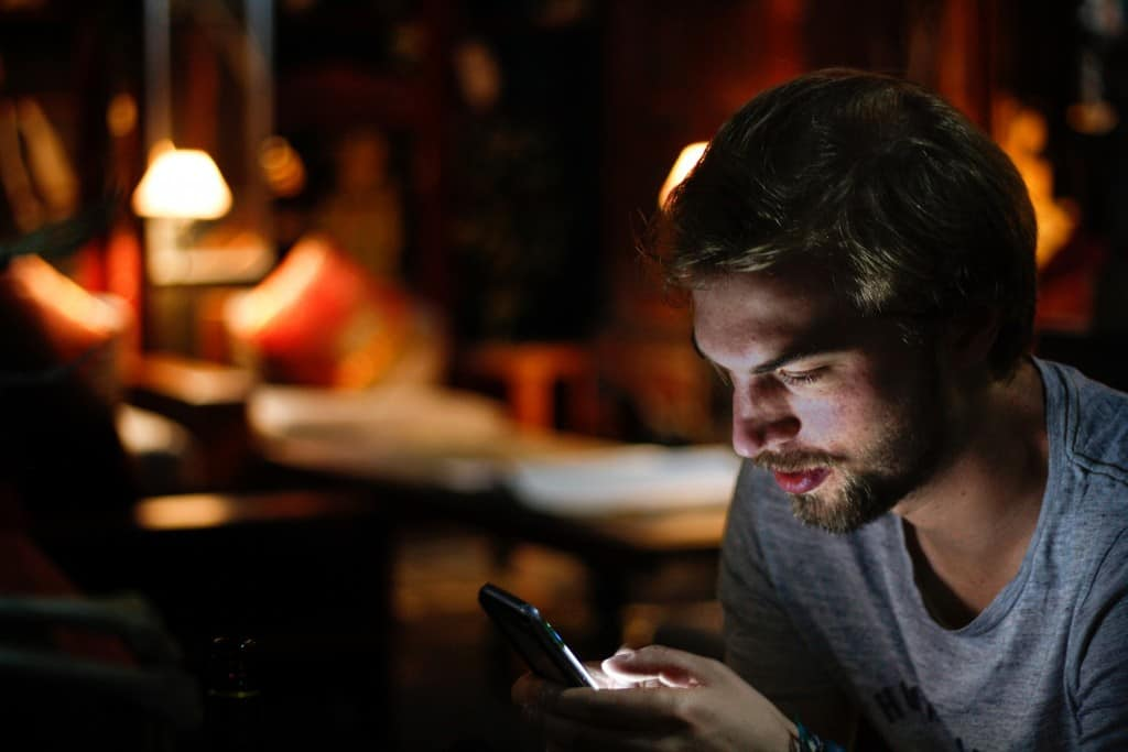Staying up late on your smartphone is a sure way to hamper motivation!